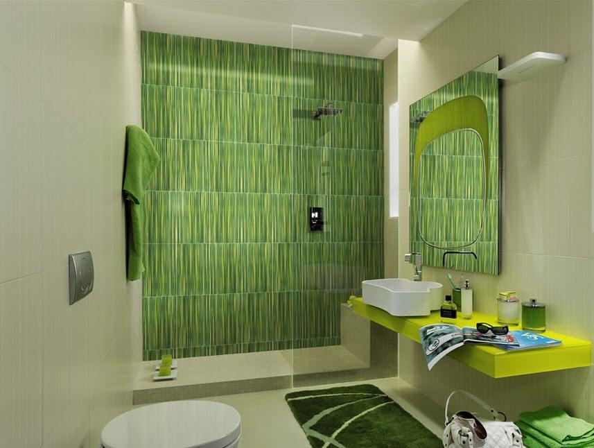Baño Infantil Corona:Un cuarto de baño donde resalta la cerámica de color verde al fondo