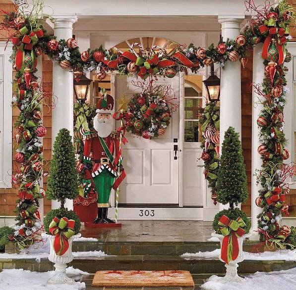 Decoraci n de navidad en fachadas de casas construye hogar - Decoracion navidad exterior ...