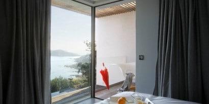 Detalle del balcon del dormitorio de casa de playa