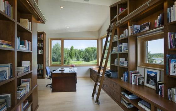 Decoración de interiores, estudio en casa de piedra