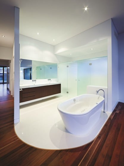 Diseño de cuarto de baño de casa de dos pisos