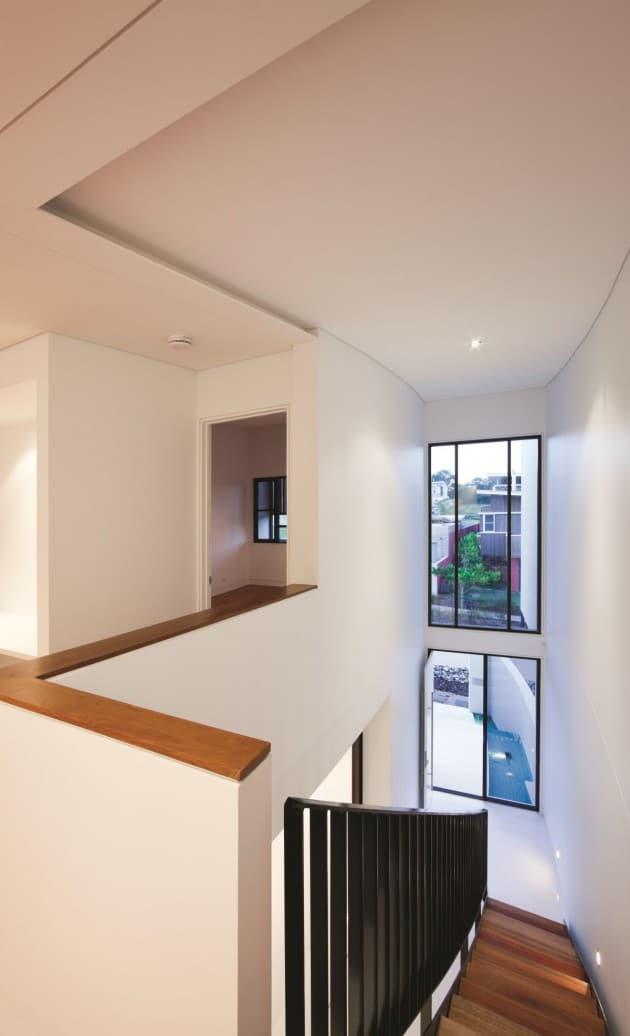 Dise o de moderna casa de dos pisos de hormig n incluye for Modelo de casa segundo piso