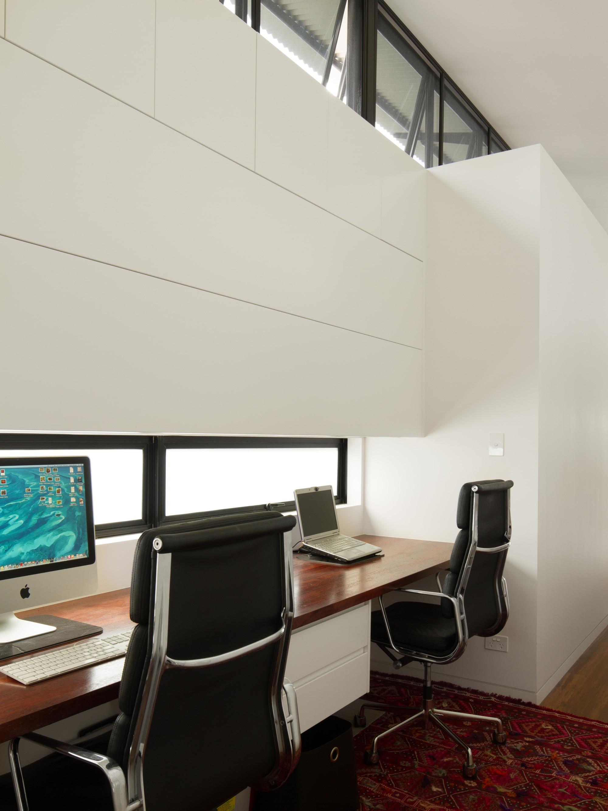 Dise o de estudio en casa alargada construye hogar - Estudios de diseno de interiores ...