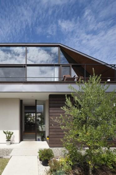 Diseño de fachada de casa moderna de un nivel