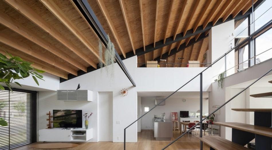 Dise o de casa moderna de un piso con techo en pendiente - Holzdecke modern ...