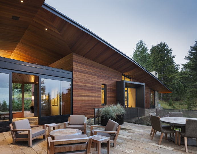 Dise o de moderna casa de campo en madera y piedra for Diseno terrazas modernas