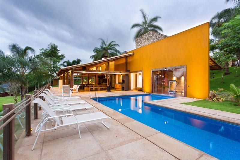 Dise o de casa de campo planos interior y fachadas - Distribucion casa alargada ...