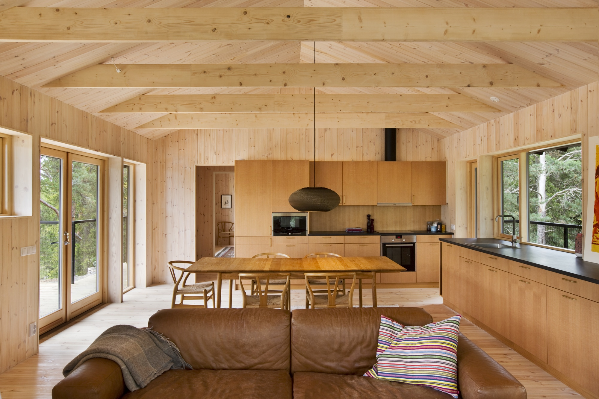 Dise o de casa peque a de madera fachada planos for Diseno y decoracion de casas