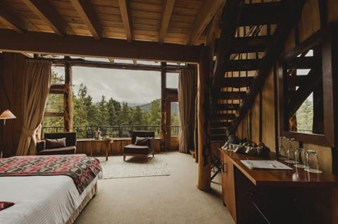 Dise o de casa peque a r stica hecha de madera y troncos - Decoracion de casas de campo pequenas ...