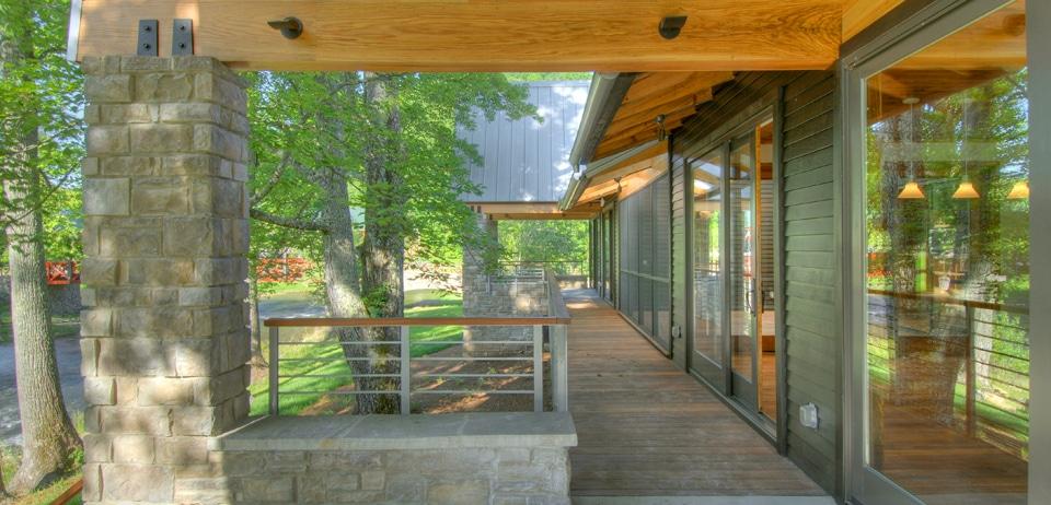 Dise o de casa rural de madera y piedra fachada e - Disenos de casas rurales ...