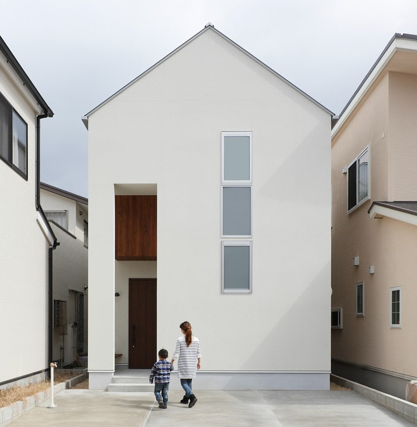 diseo de fachada de casa moderna de dos pisos a dos aguas