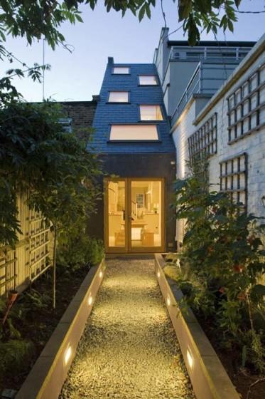 Diseño de fachada posterior de casa angosta