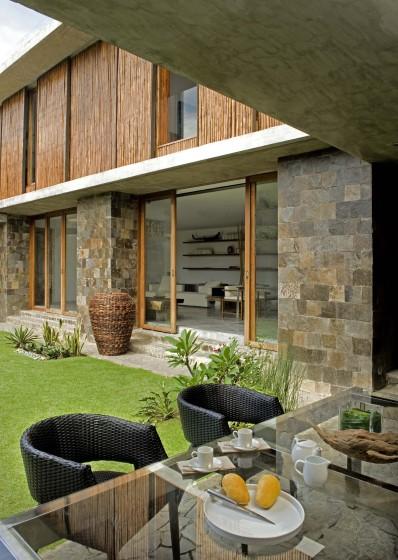 Diseño de fachada rústica