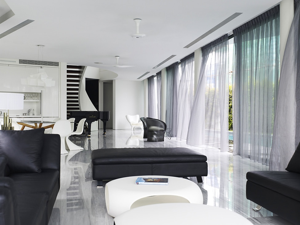 Dise o de moderna casa de dos pisos con azotea jard n - Disenos de pisos para interiores ...