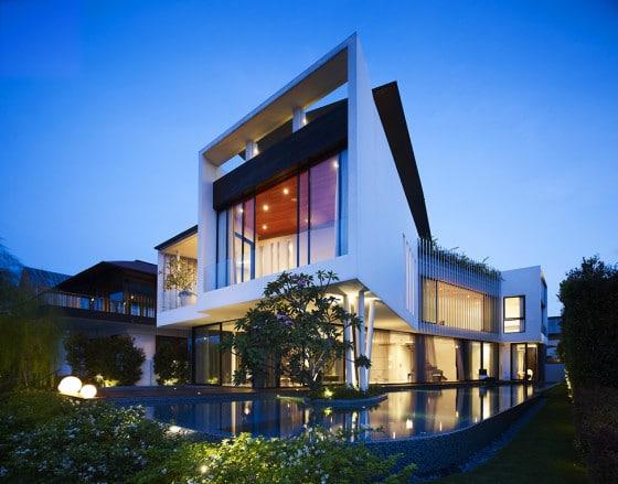 Diseño de la casa iluminada de noche