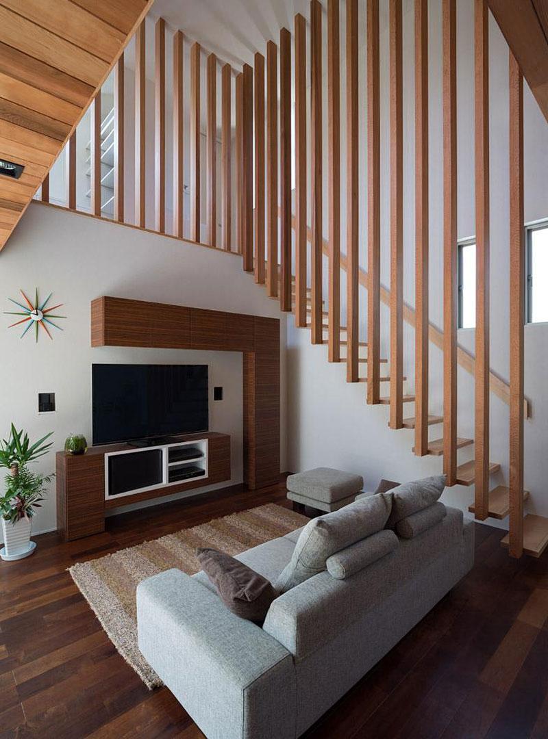 Dise o de la sala y escalera de madera construye hogar for Escaleras de sala