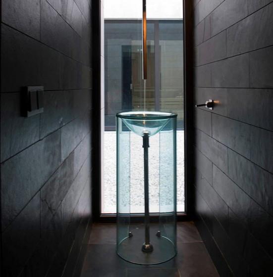 Diseño de lavabo para cuarto de baño transparente