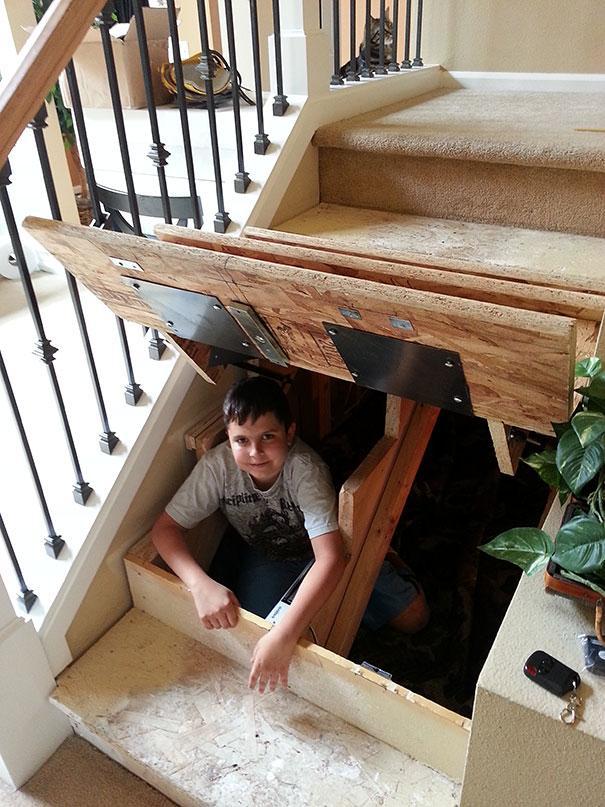 escondite debajo de la escalera en casa