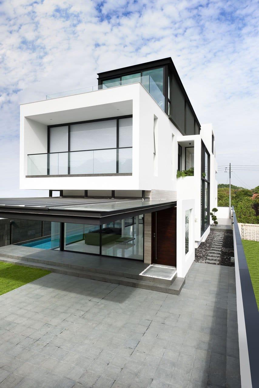 Plano de casa de dos pisos peque a fachada e interiores for Fachada de casas modernas