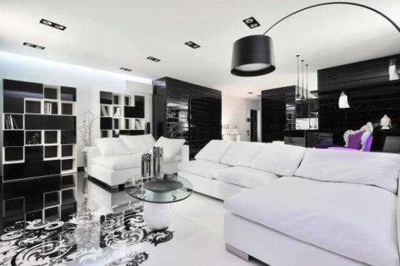 Muebles color blanco con paredes negras