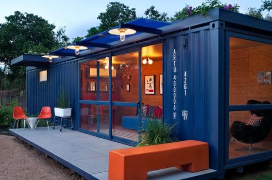 Casa contenedor azul