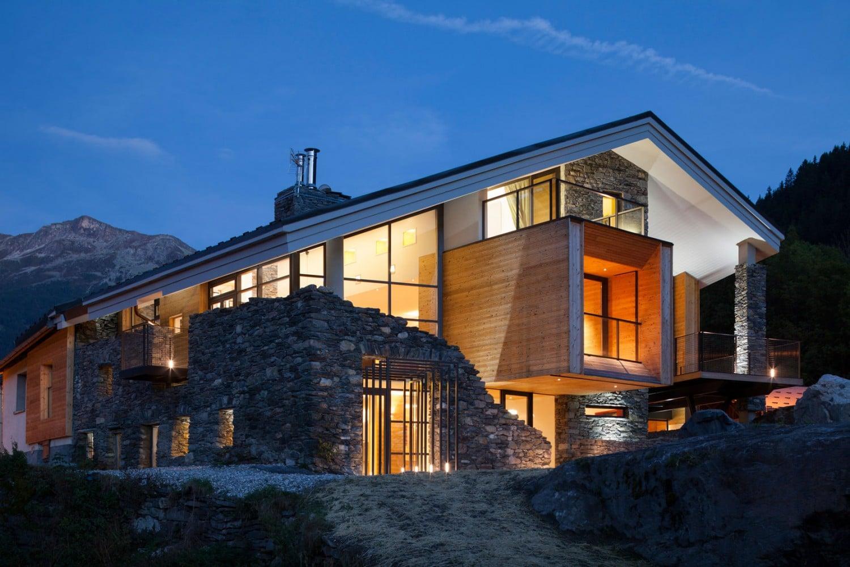 dise o de casa moderna en la monta a fachada piedra