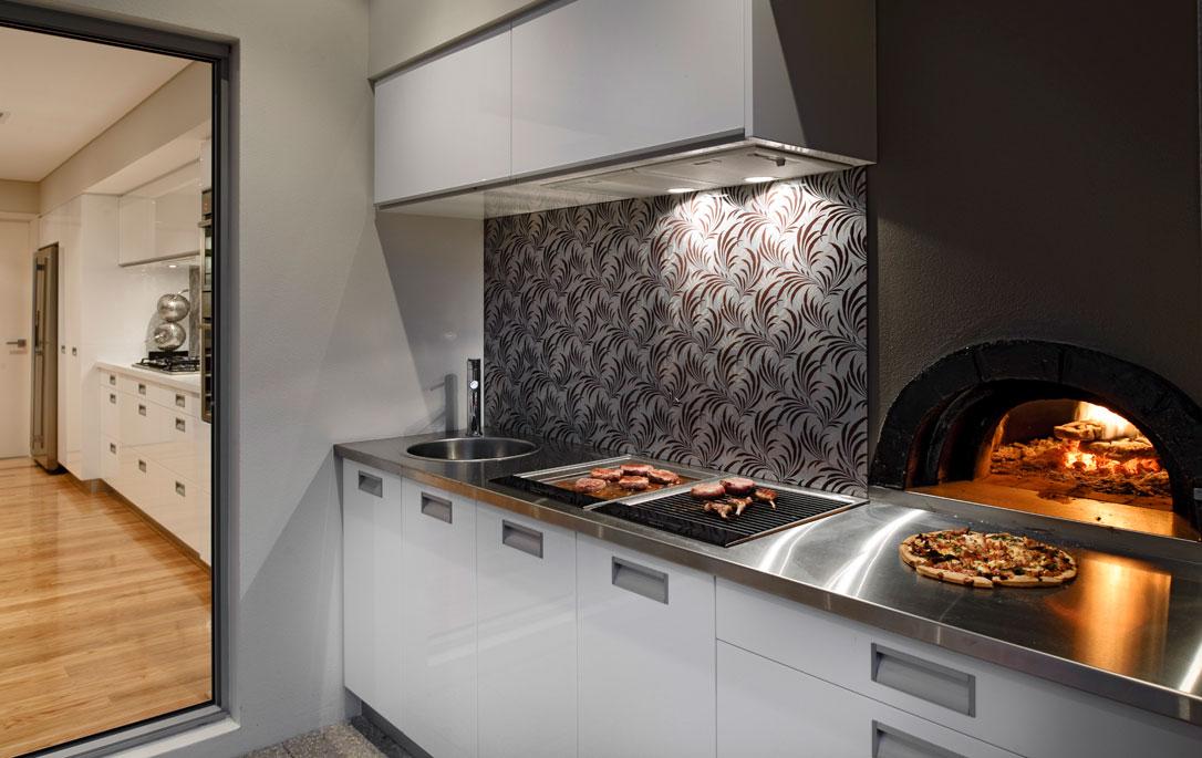 Moderna casa de dos plantas con diseño interior que inspira ...
