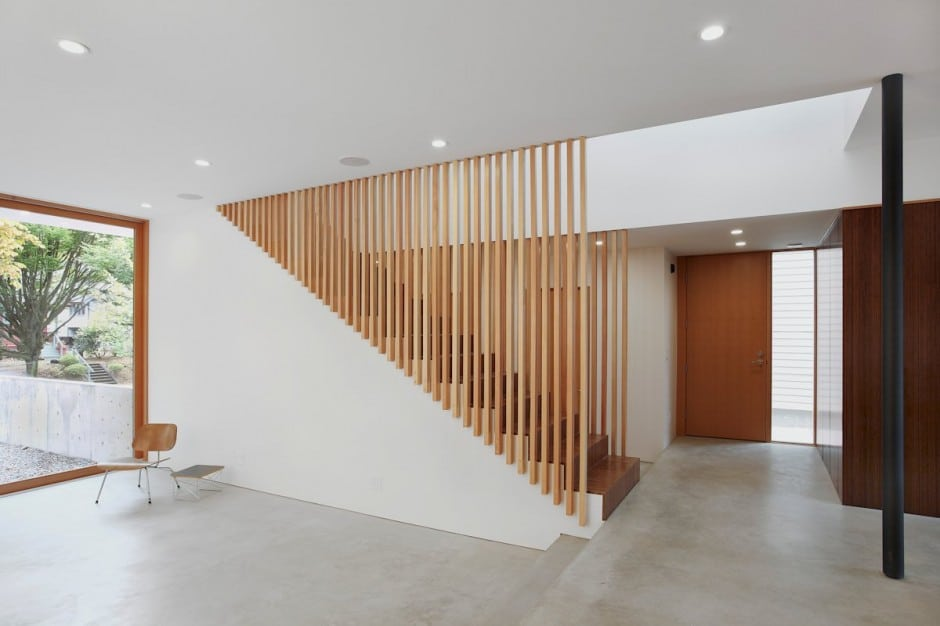 Planos de casa de dos pisos en terreno peque o construye for Acabados minimalistas interiores