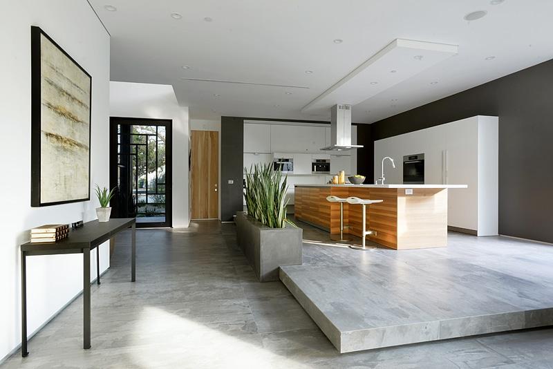 Dise o de casa moderna de dos pisos fachada e interiores for Casa minimalista interior cocina