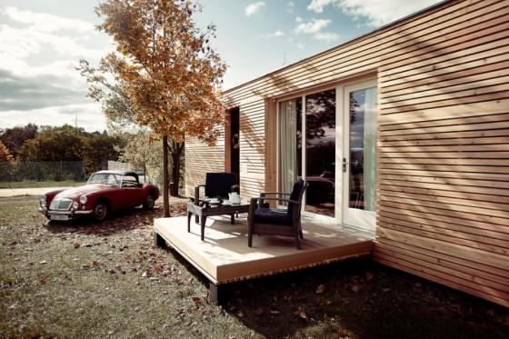 Fachada de casa pequeña de madera prefabricada 2