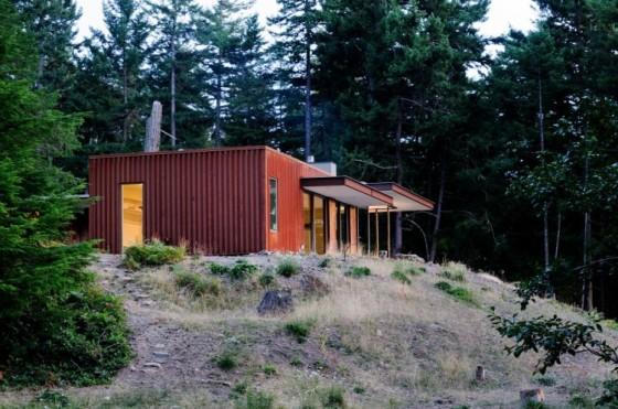 Diseño de casa de campo con galpón metálico