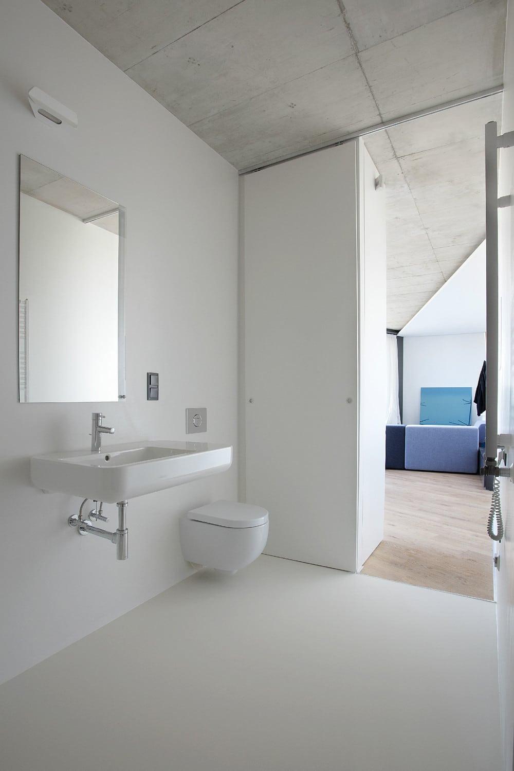Diseno De Baño Social:Diseño de cuarto de baño irregular en colorblanco