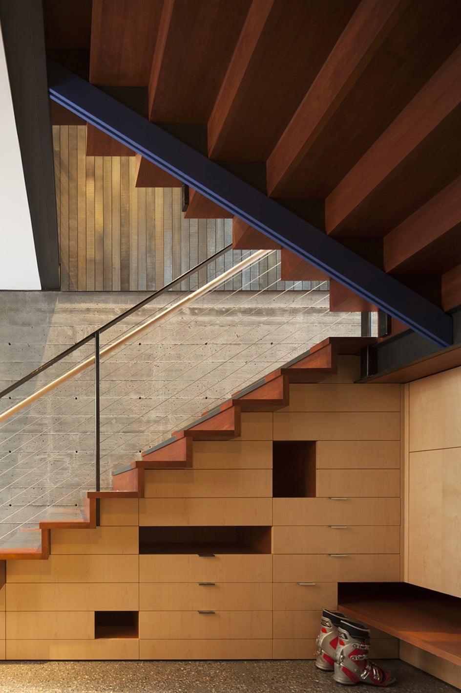 diseo de escaleras modernas de madera con cajones debajo de peldaos