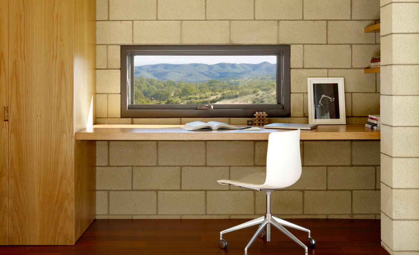 Dise o de casa moderna de un piso de ladrillo caravista - Estudios de decoracion de interiores ...