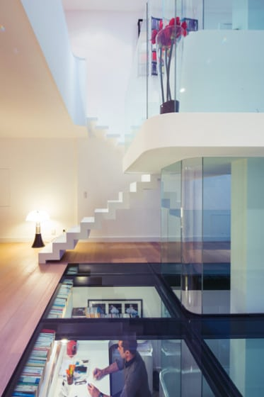 Diseño de techo transparente de vidrio laminado templado de casa moderna