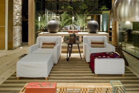 Diseño de sofás color blanco  de casa pequeña