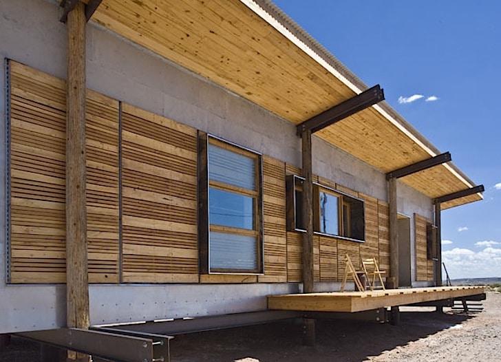 Dise o de casa peque a reciclada materiales construcci n - Materiales de construccion para fachadas ...