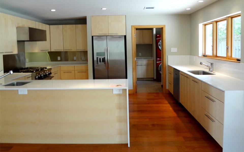 Dise o de casa rural peque a fachada e interiores for Piso cocinas minimalistas