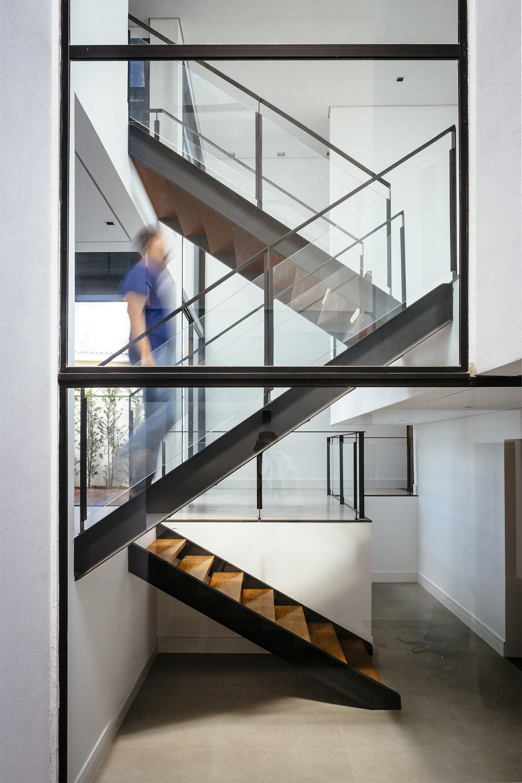 Arquitectura de casas barandas de escaleras de hierro - Escaleras de interior ...