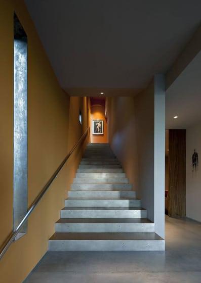 Diseño de modernas escaleras construidas en concreto