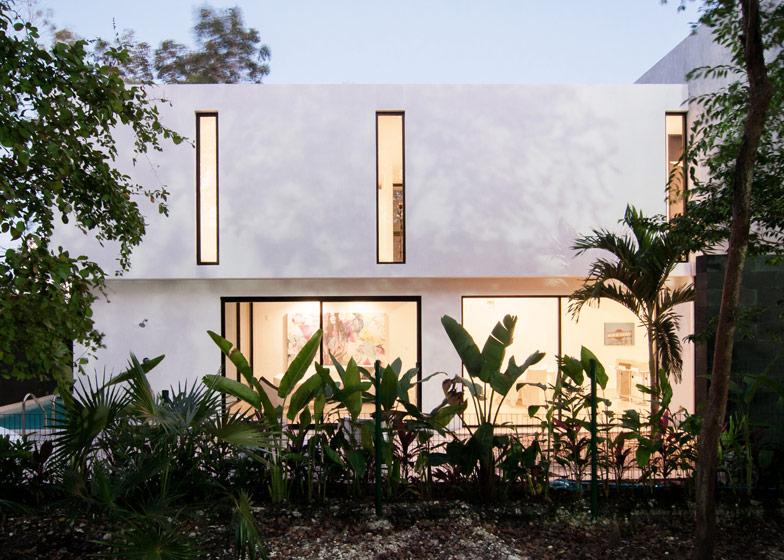 Dise o de casa minimalista de dos pisos planos y fachadas for Fachadas de casas modernas para colorear