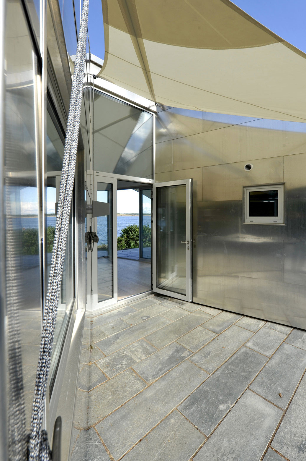 Diseu00f1o de moderna casa de metal de un piso mu00e1s planos : Construye ...