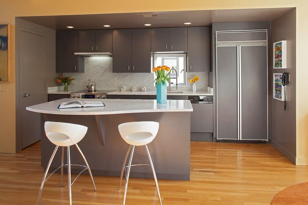 Dise o de casa ubicada en esquina moderna construye hogar for Disenos de cocinas integrales de madera modernas