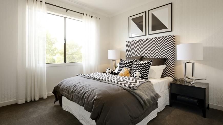 Casa de un piso moderna dos fachadas y dise o interior construye hogar - Dormitorio en blanco y negro ...