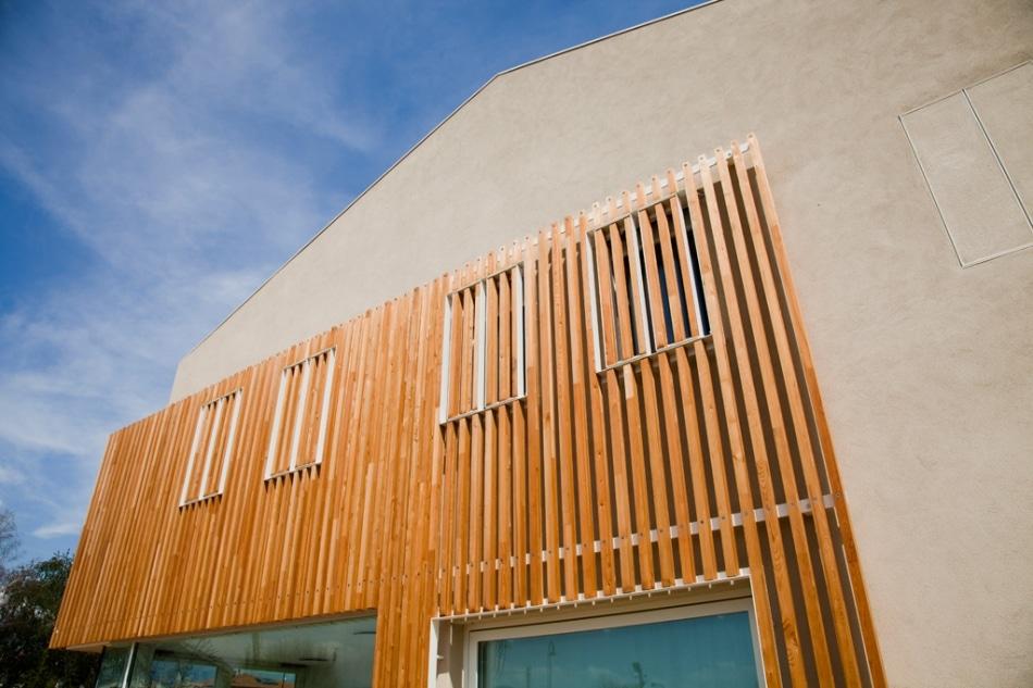 Dise o de casa ecol gica reciclada y uso paneles solares - Varillas de madera ...