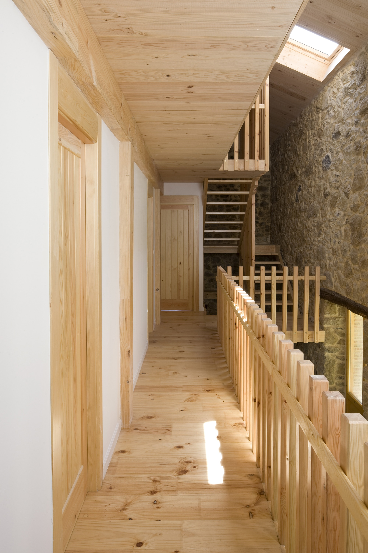 Dise o de casa r stica de piedra planos construye hogar - Varillas de madera ...