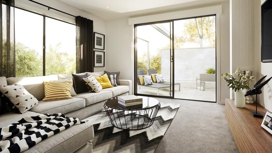 Casa de un piso moderna dos fachadas y dise o interior for Disenos de interiores modernos salas