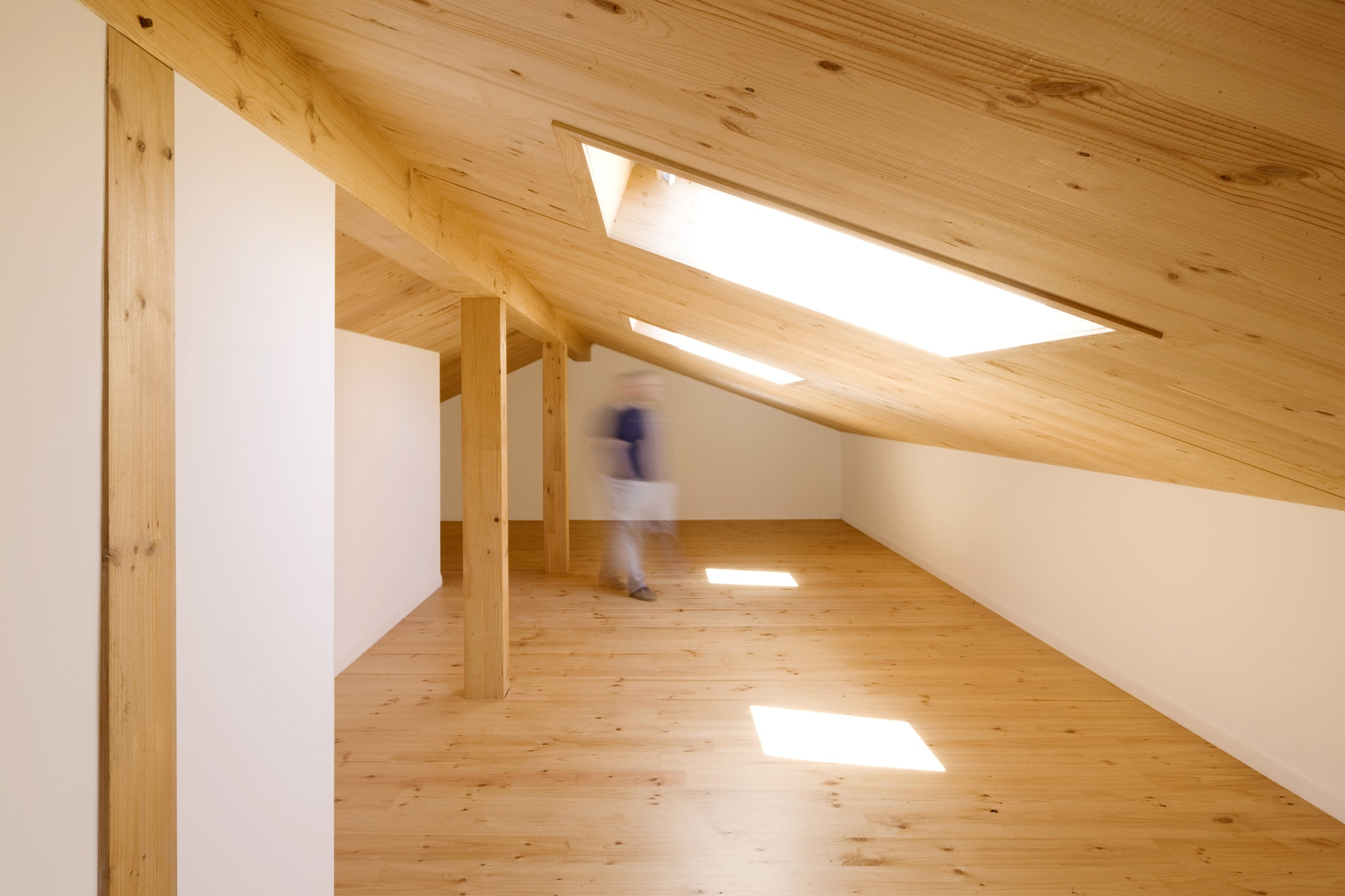 Dise o de casa r stica de piedra planos construye hogar for Fotos en madera