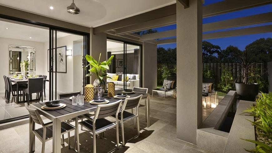 Casa de un piso moderna dos fachadas y dise o interior for Modelos de casas con terrazas modernas