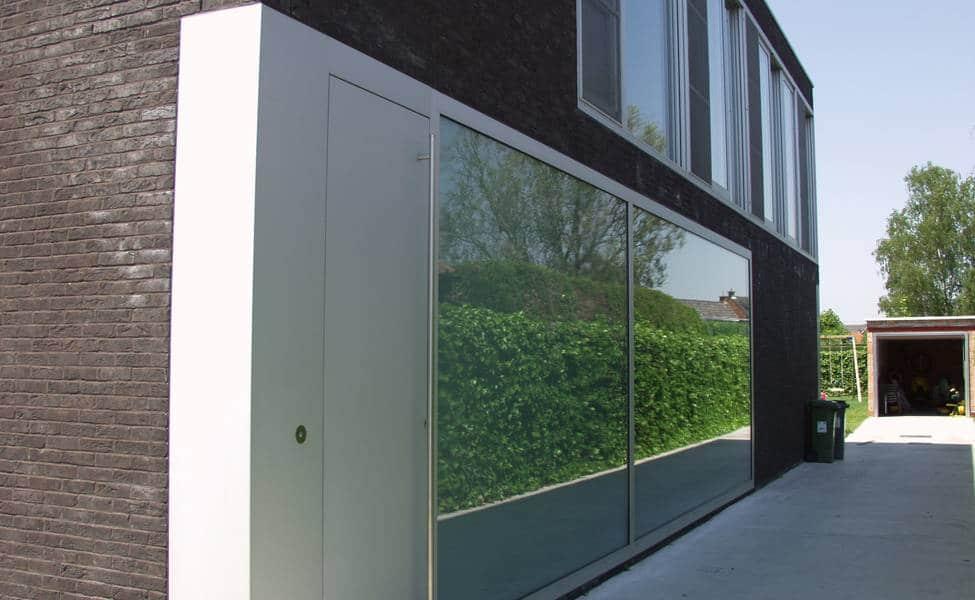 Casa de dos pisos sencilla dise o fachada e interiores - Ladrillos traslucidos ...